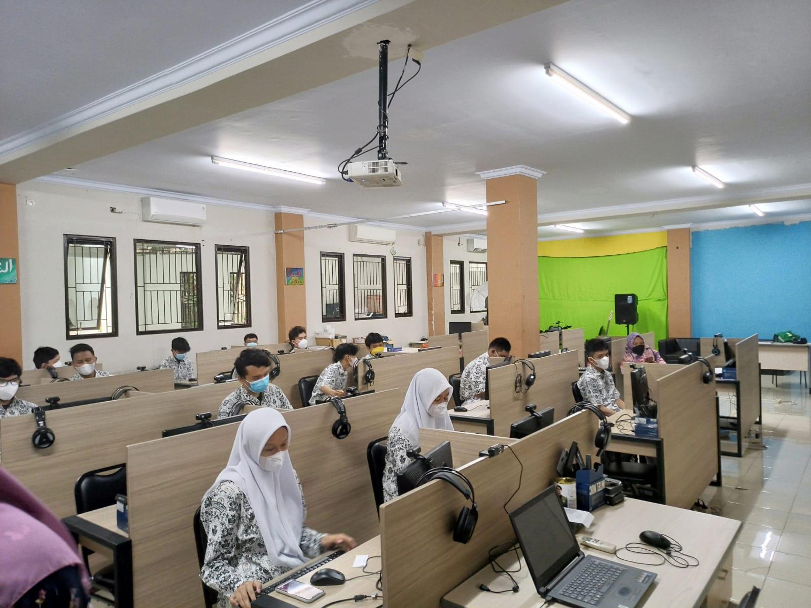 Pelaksanaan Asesmen Nasional di SMAIT Raudhatul Jannah Cilegon